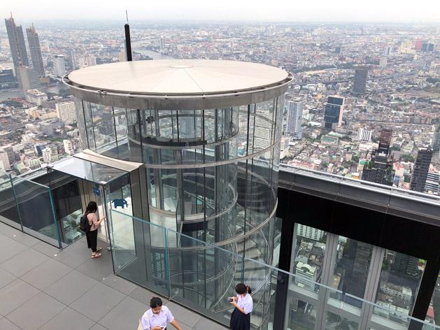 円形エレベーター